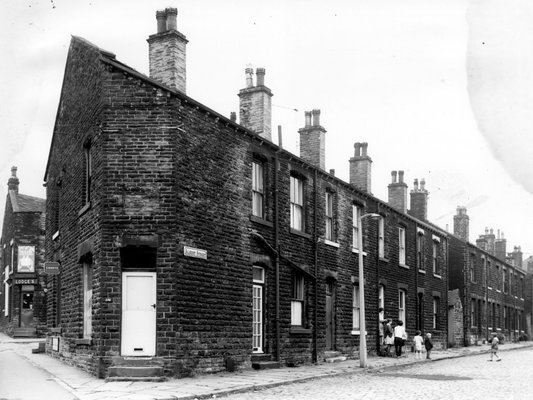 Albert Street, Stanningley Road
