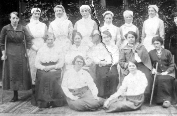Barnbow Munitions Factory, injured women and nurses