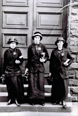 First World War, female meter inspectors